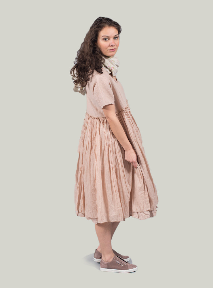 Molly Smock Dress with Ruffle Trim in Lin Rose