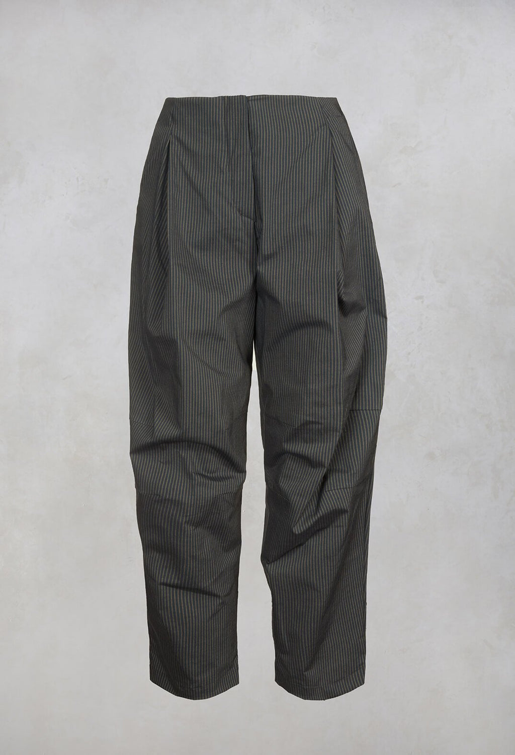 Peg Trousers in Grey