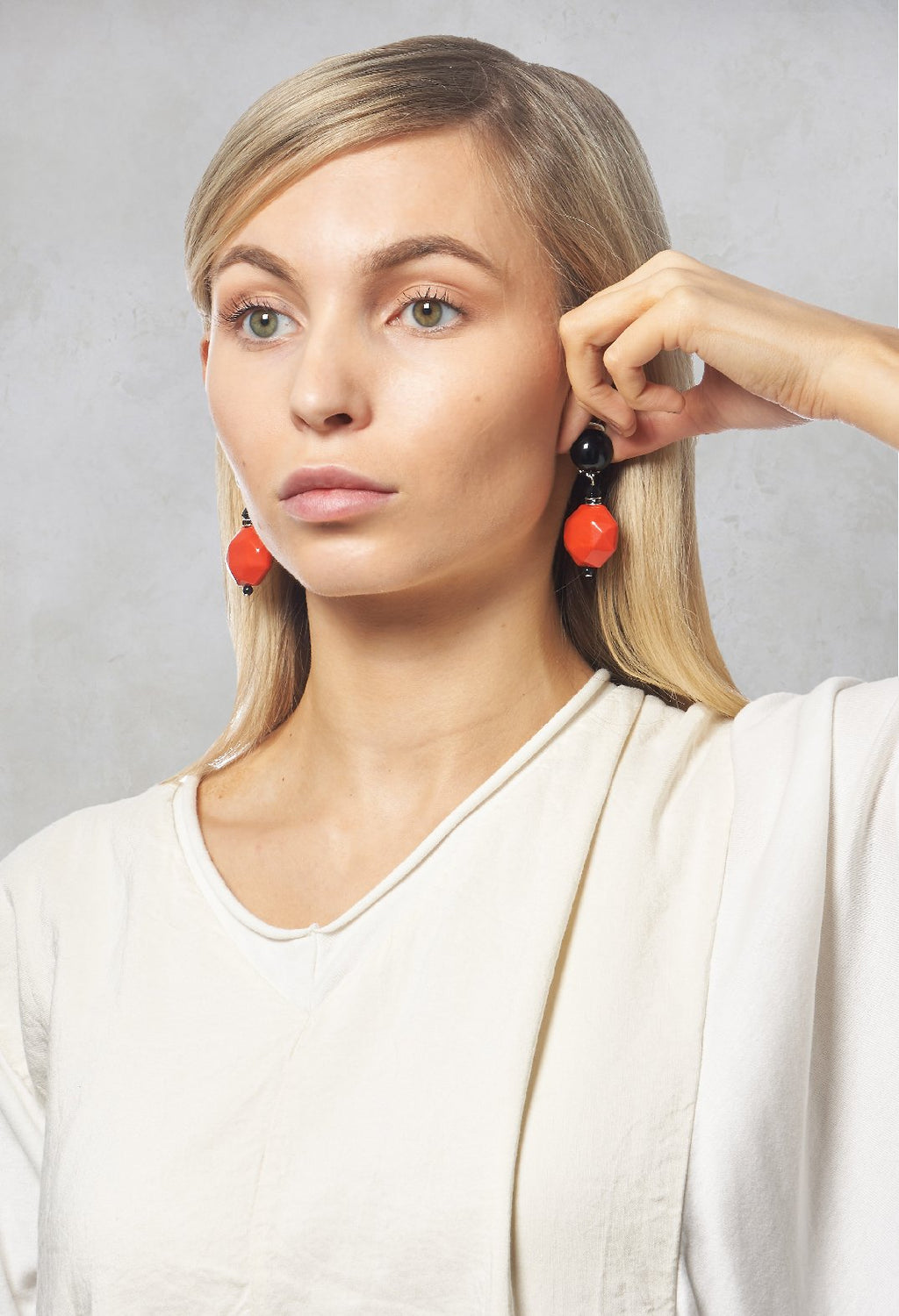 Penthagon Earrings in Coral / Black