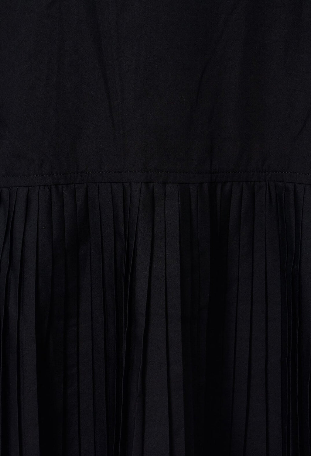 Pleated Back Shirt in Black
