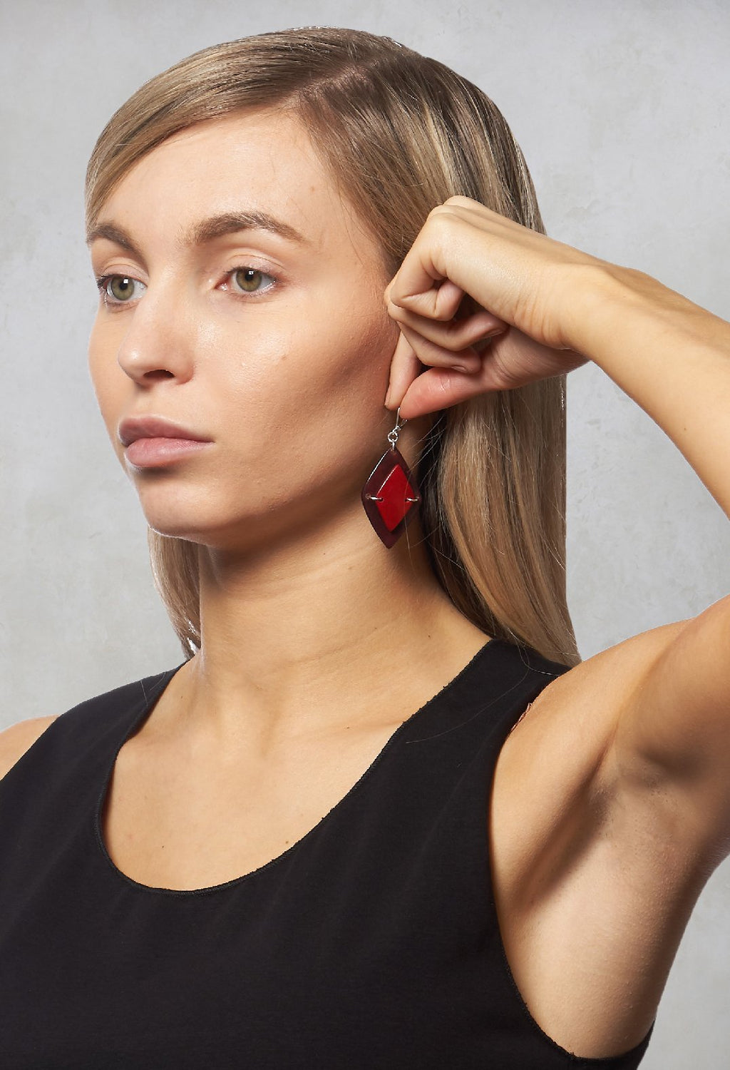 Rhombus Earrings in Red