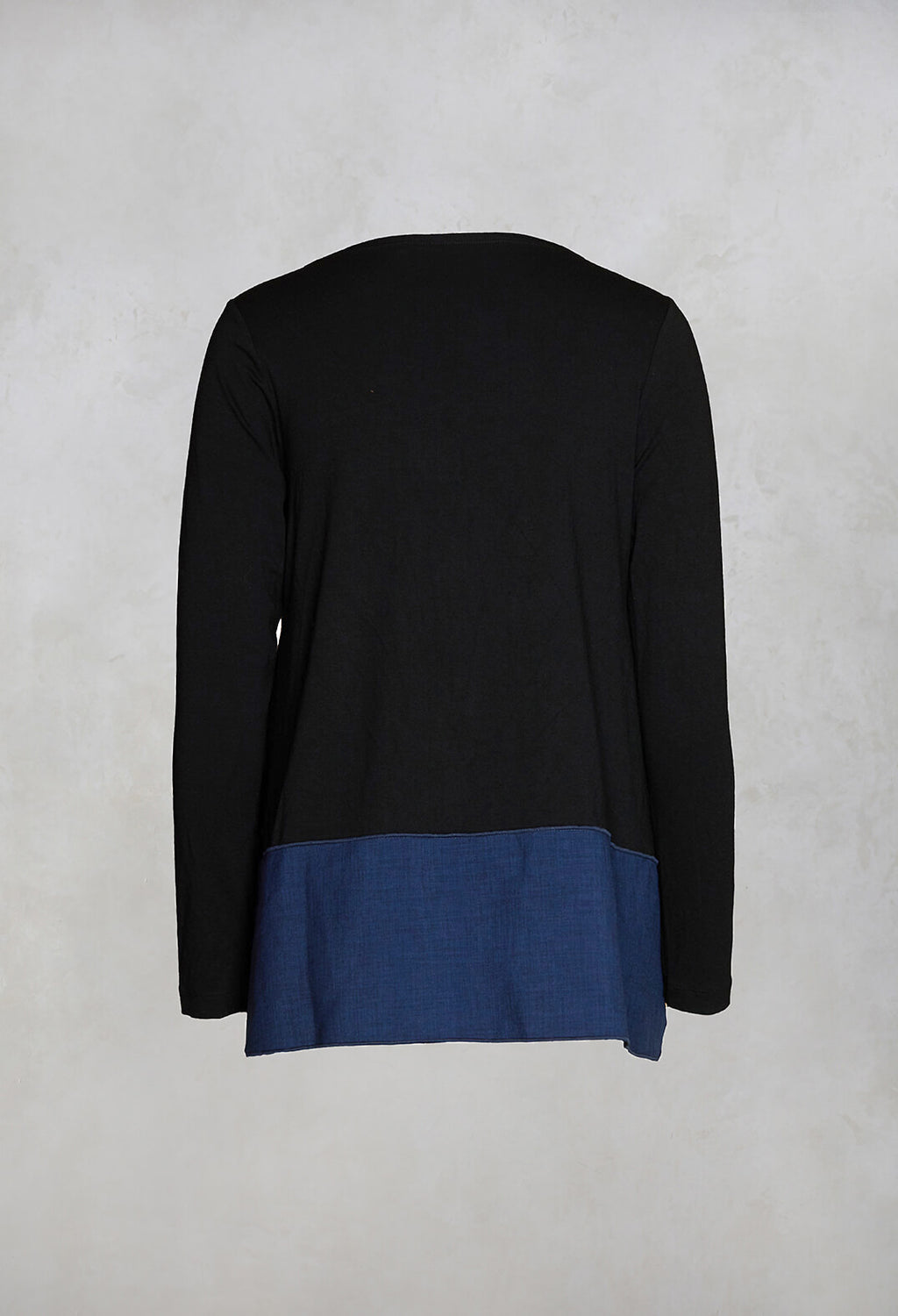 Long Sleeved Top with Side Slits in Black/Blue