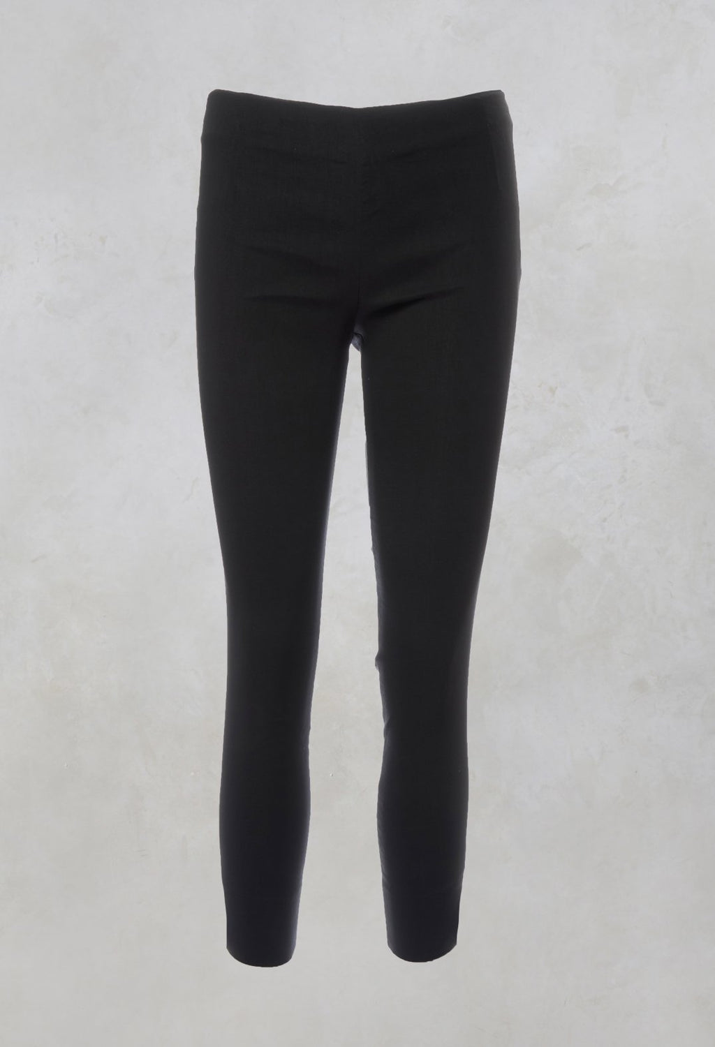 Skinny Trousers in Nero