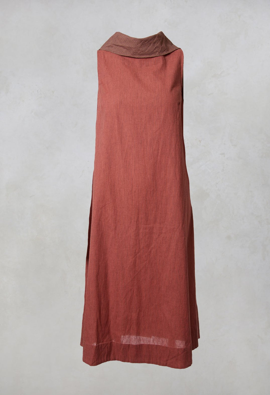 Sleeveless Tunic Big Collar Top in Desert Sand