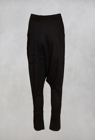 Trousers in Black