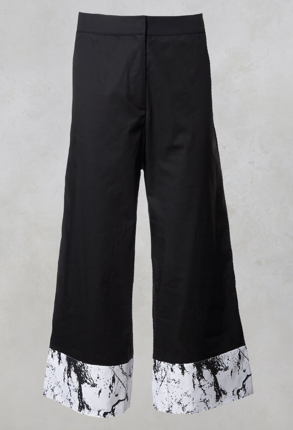 Wide Leg  Contrast Trousers in Haruna Black / Print Gaia