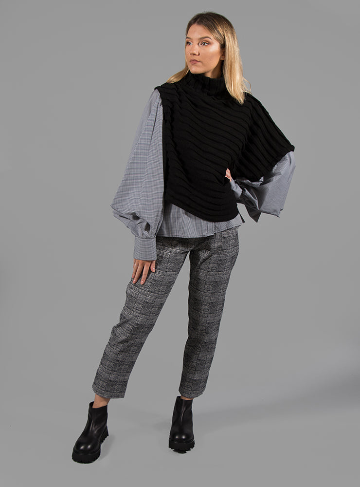 Shirt with Flared Puff Sleeves in Black Check