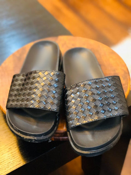Checkered Slides - Ovolo Karachi