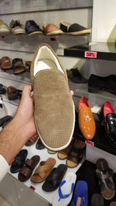 KENNETH COLE Take A Strool - Beige