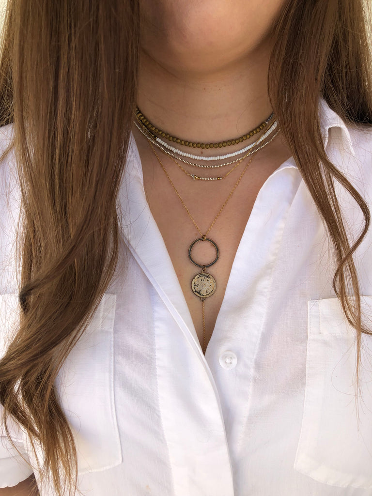 SPLIT NECKLACE- white