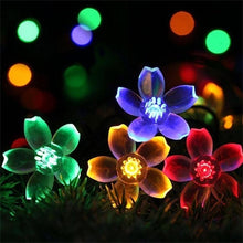 Load image into Gallery viewer, Solar Waterproof  String Lights Of 50 LED Flowers