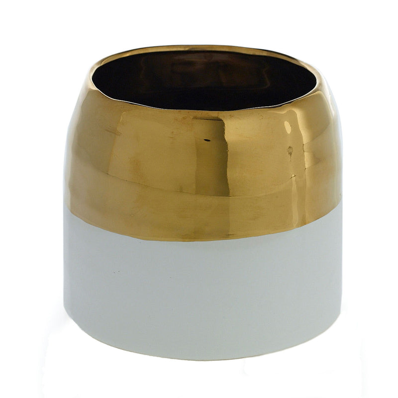 Container with this gold trimmed ceramic in size small.