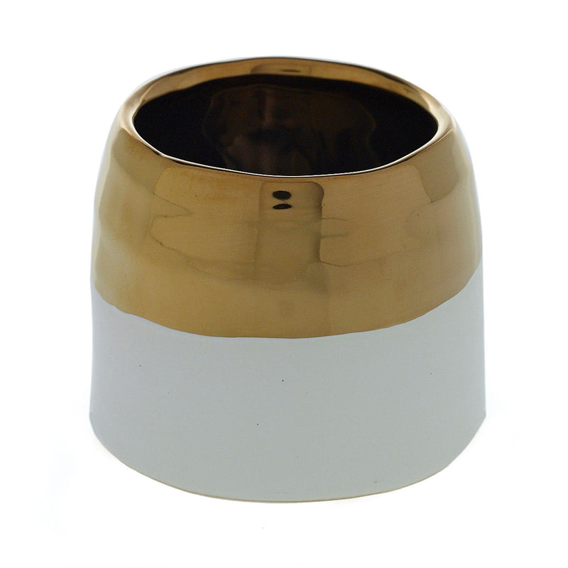 Container with this gold trimmed ceramic in size medium.