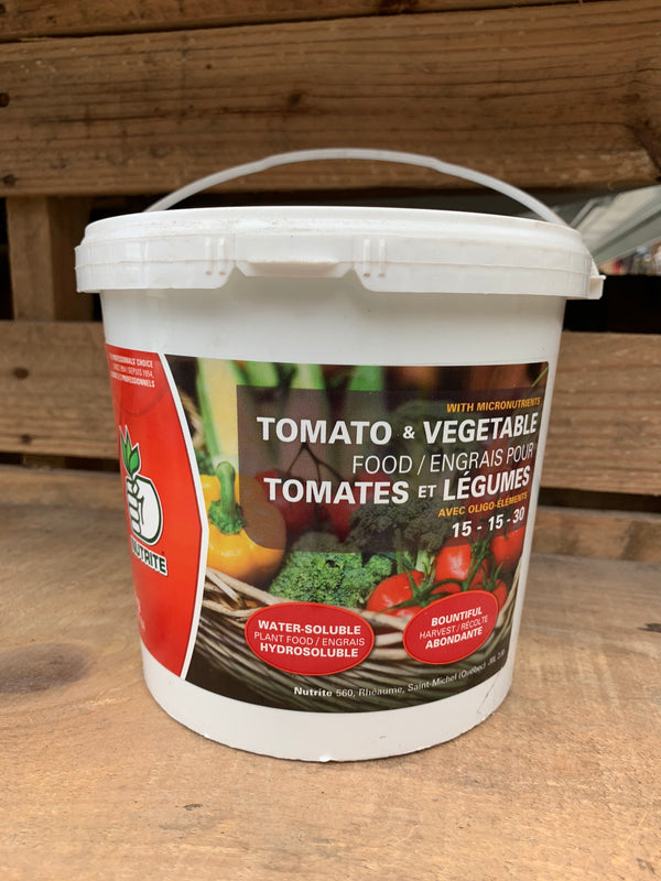 Water Soluble Plant Food: Tomato & Vegetables (15-15-30)