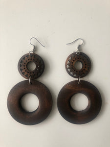 2 circle wooden earrings
