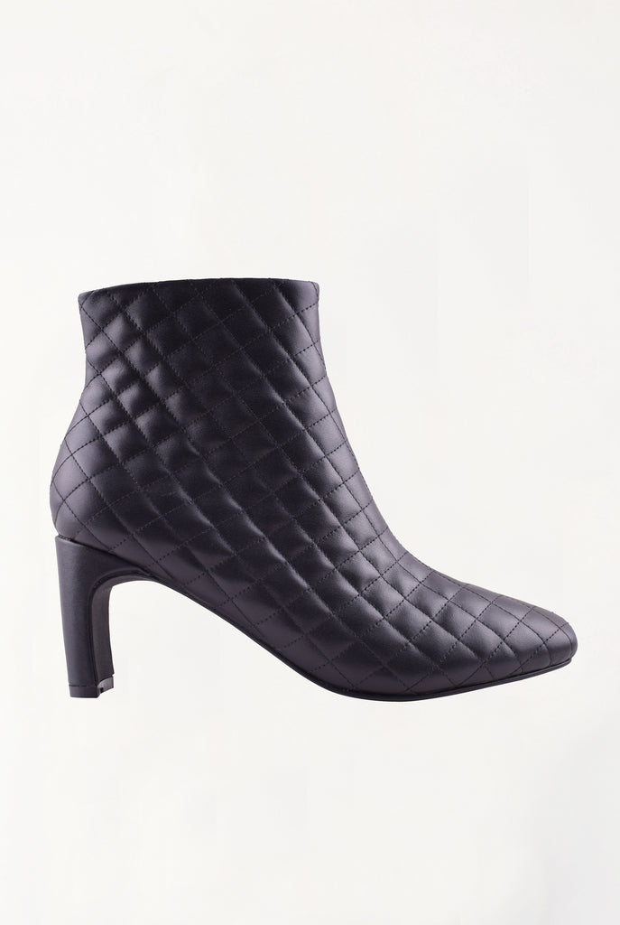 Cameron Boot - Black Quilted