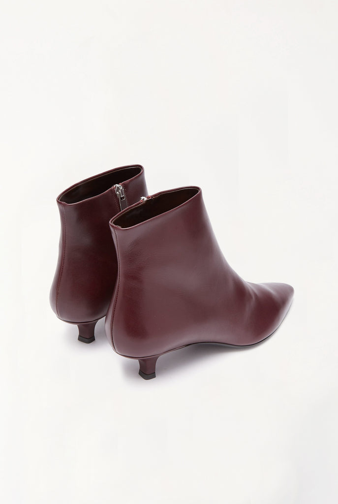 The Row - Coco Point-Toe Leather Ankle Boots
