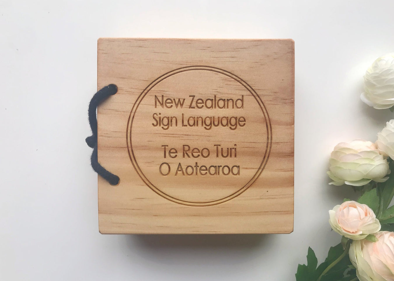 new-zealand-sign-language-wooden-book-bilingual-maori