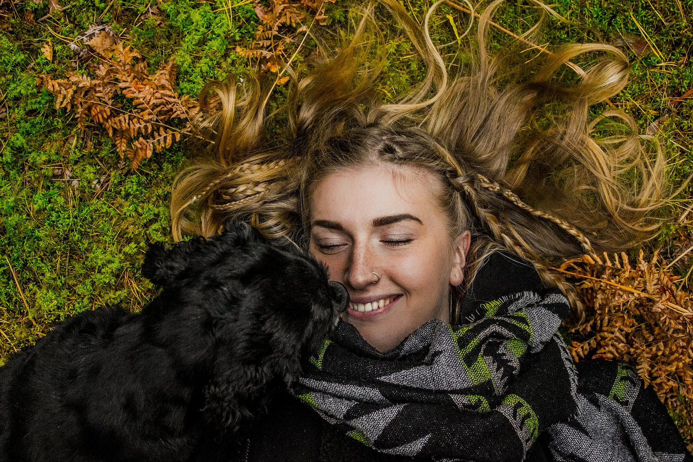 vegan-woman-with-dog