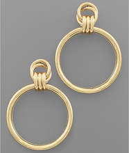 Load image into Gallery viewer, Gold Round Link Earrings