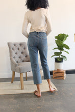 Load image into Gallery viewer, Musgraves High Rise Mom Jeans