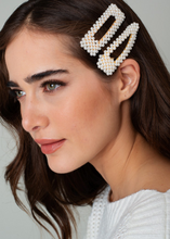 Load image into Gallery viewer, Pearl Hair Clip