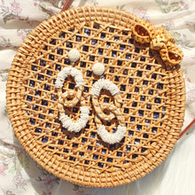 Load image into Gallery viewer, It Bag - Circle Rattan Cross-body Purse