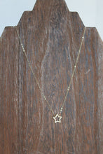Load image into Gallery viewer, Simple Star Stone Necklace