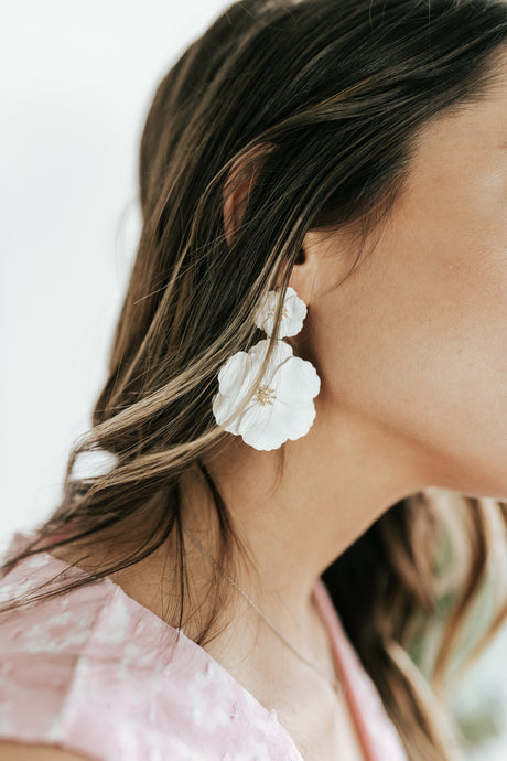 Queen City White Flower Earrings
