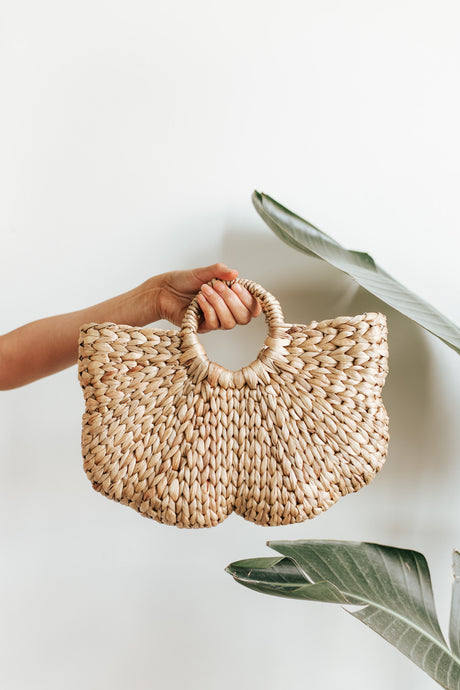 Shell Straw Tote Bag
