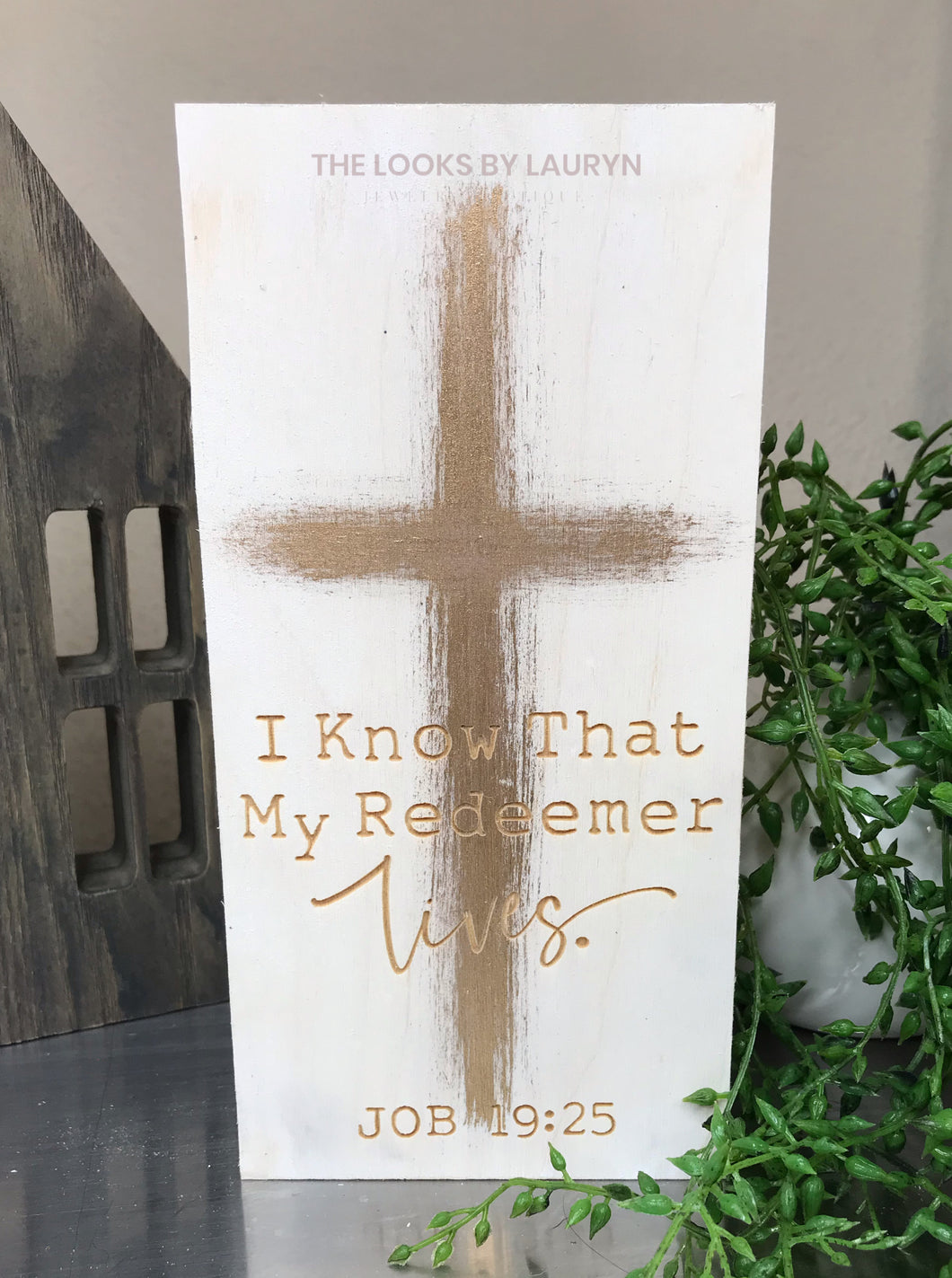 i know my redeemer lives wooden block sign