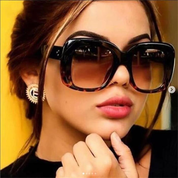 Knockout Oversize Square Fashion Sunglasses for Women - Sunglasses