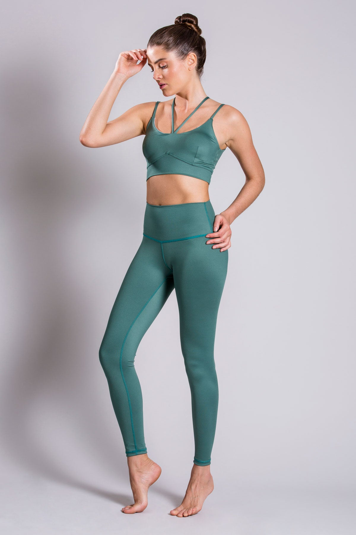 The Legend Alexa Basic Green Total Look