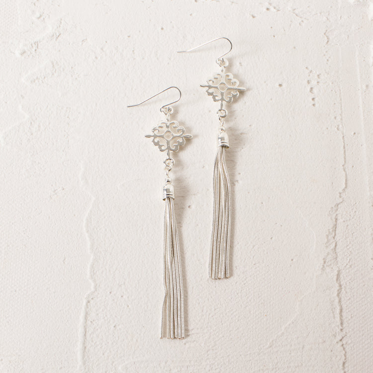 Sliver Pattern Tassel Earrings