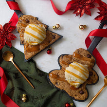 Load image into Gallery viewer, Nestle Toll House Chocolate Chip Cookie Mix: Mini Tree Cast Iron Skillet