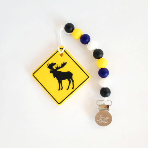 MOOSE CROSSING Teether Clip