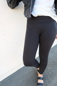 Live in the Moment Leggings in Black