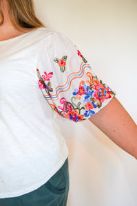 Magnolia Embroidered Top [PLUS]