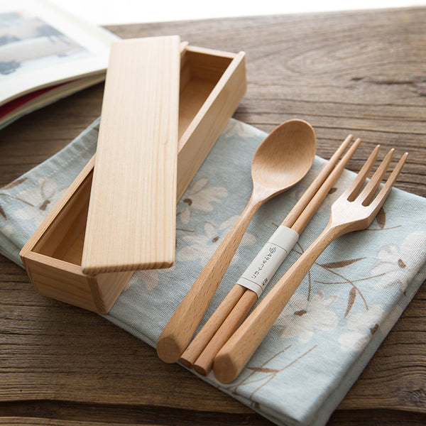 Portable Natural Wood Dinnerware Set