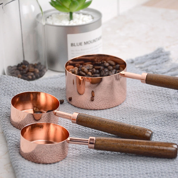 Walnut Handle Measuring Cup Set
