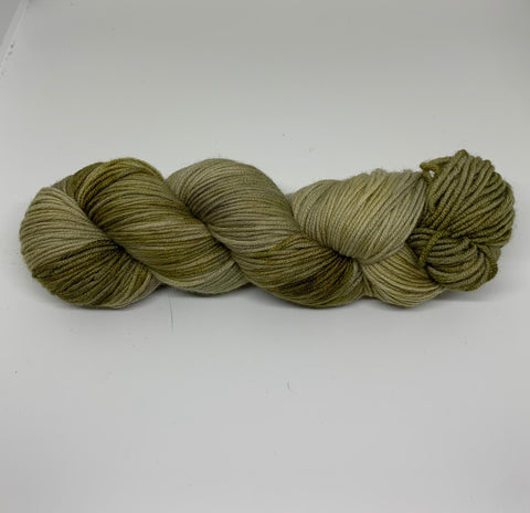 Signature 8ply Olive
