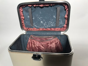Vintage Cream Amelia Earhart Train Vanity Case Luggage Weekend Makeup Kit