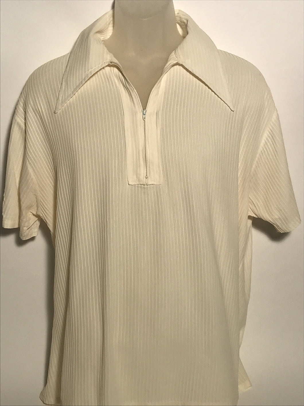 Vintage 1970s Short Sleeve Men's Shirt Size Extra Large RENTAL XL926