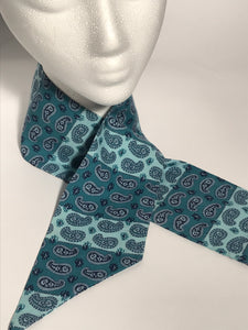 1970s Vintage Blue Paisley Head Neck Scarf