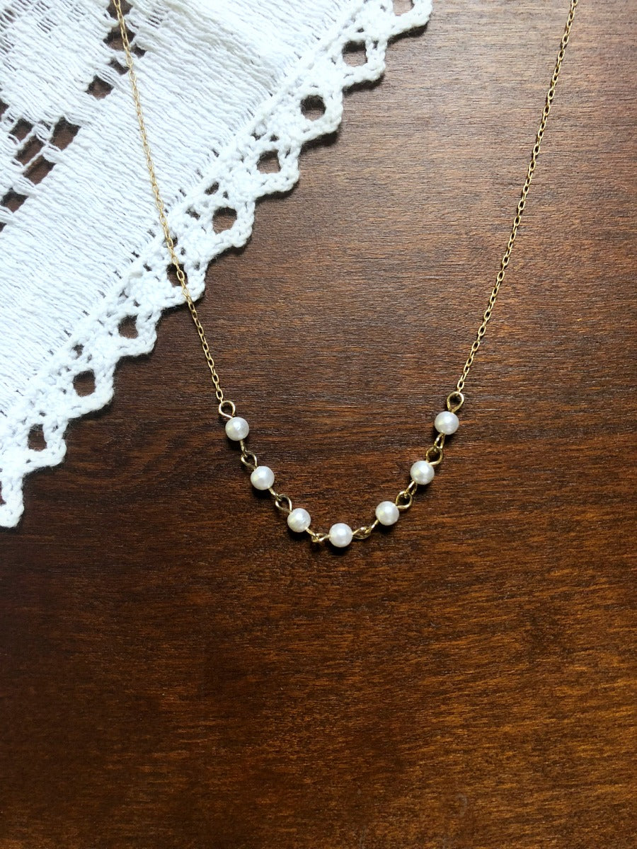Dainty Vintage Faux Pearl Necklace