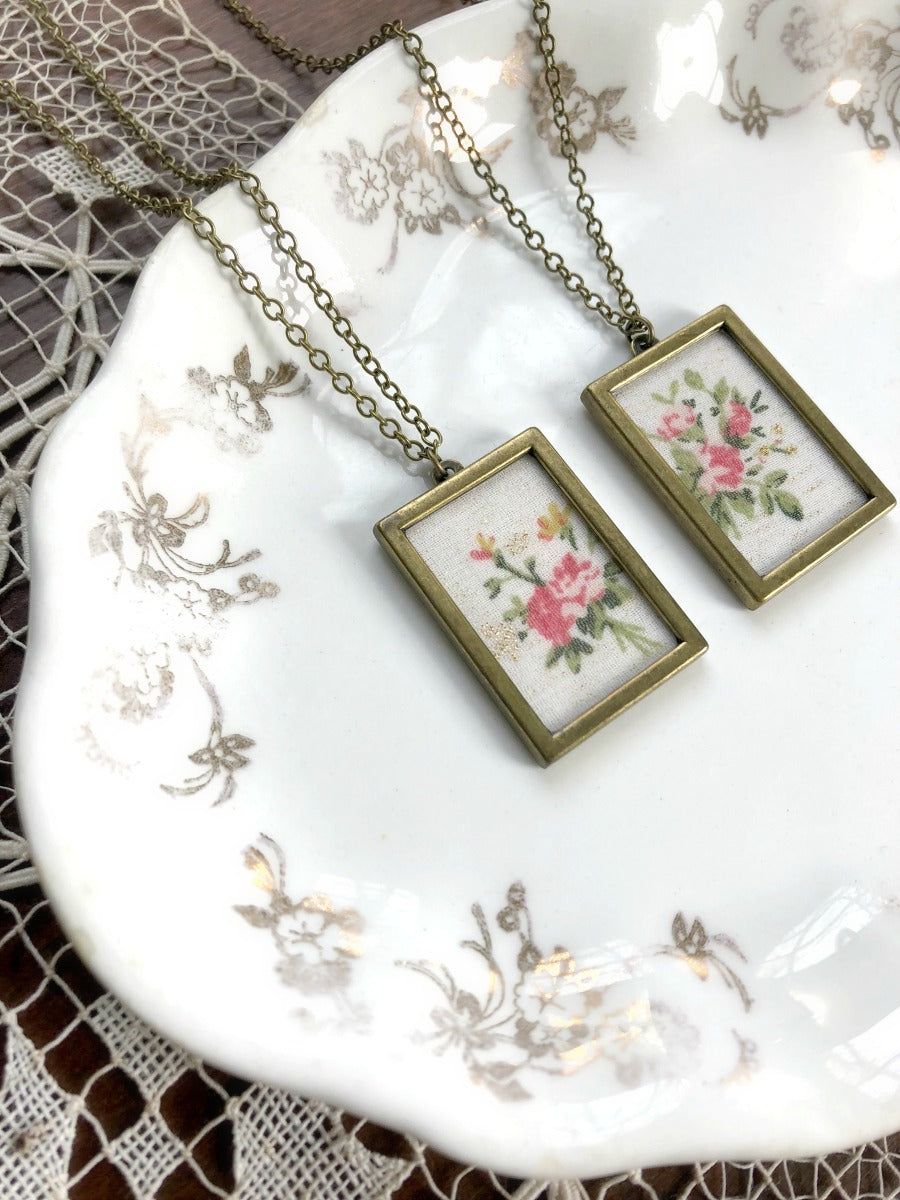 CUT FROM THE SAME CLOTH | Gold and Pink Roses Necklaces Set
