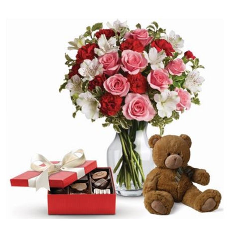It Looks Like Love - caringbahflowersgifts