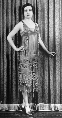 1920s woman in shift dress