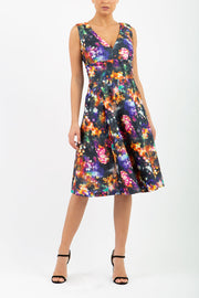 model wearing the Aldeburgh Print swing Dress with v-neck short sleeve front image
