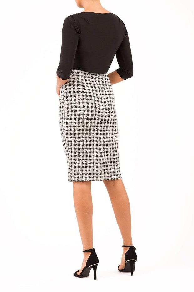 Pebble Stretch Perro Skirt